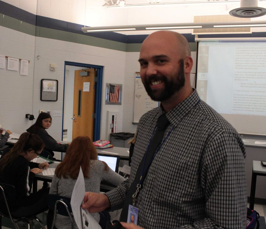 Science teacher Mr. Grabemeyer. Photo by Nick Girolami, photo and online editor