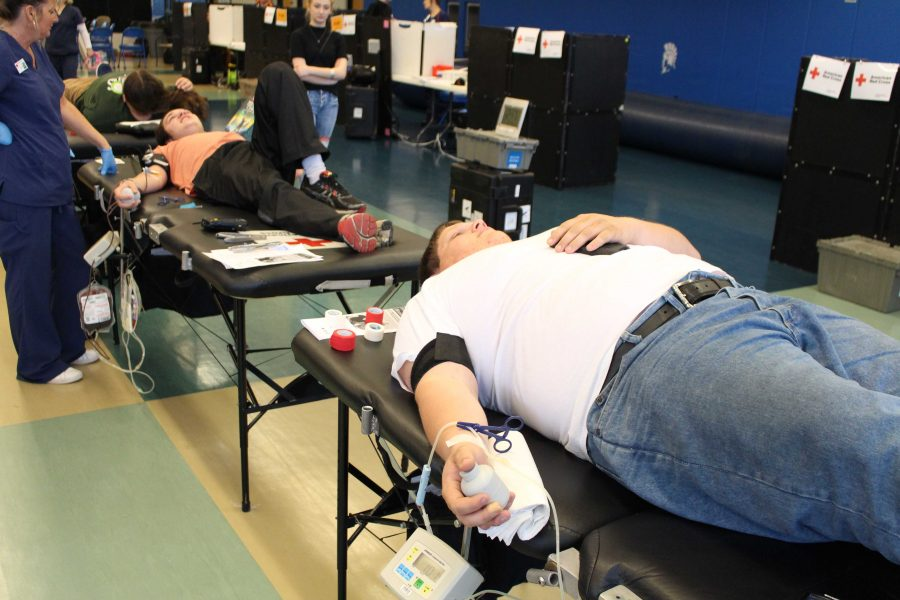 Garrett McCormick '17 gives blood to save a life  Photo by: Andrew Hansen