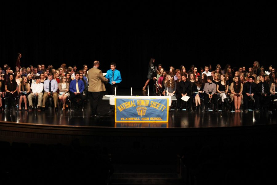 NHS welcomes new inductees (gallery)