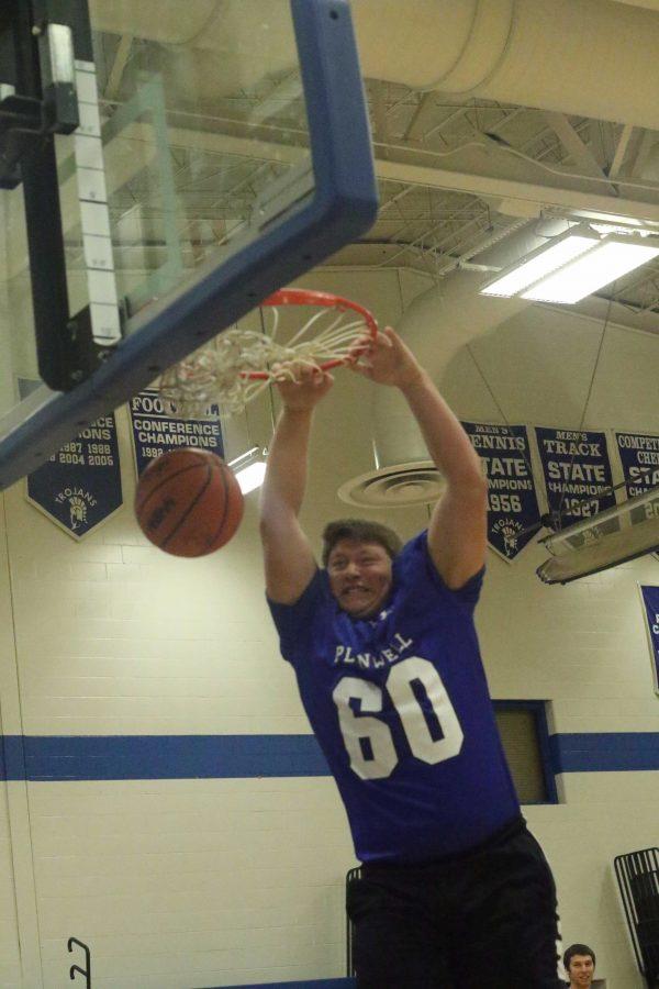 Trojan+Basketball.