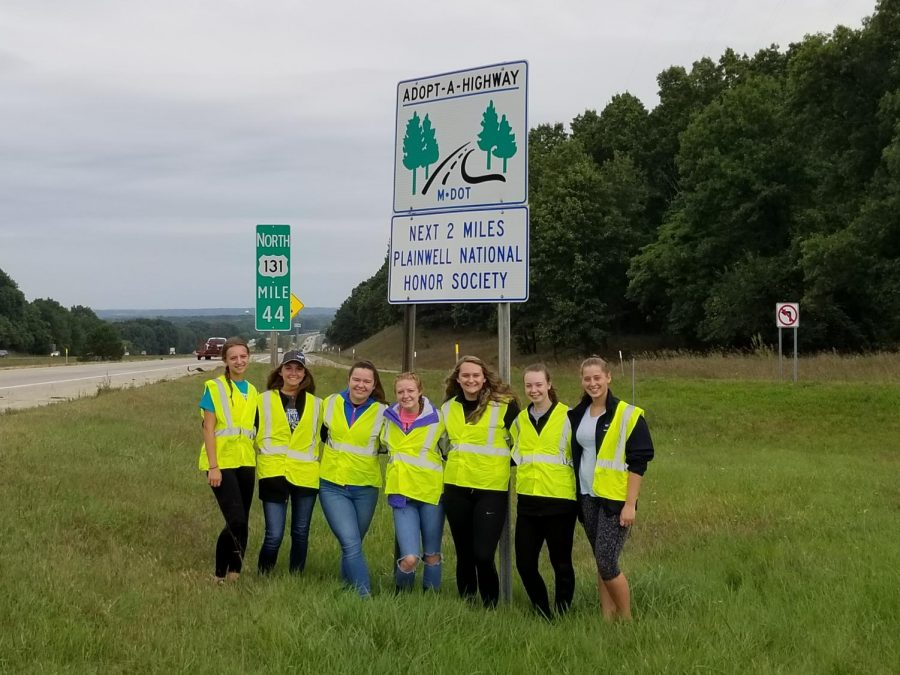 PHS students join adopt-a-highway