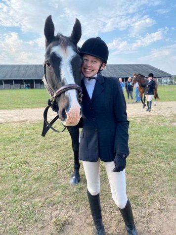 Gernaat, Jannett Show Dedication To Equestrian Team